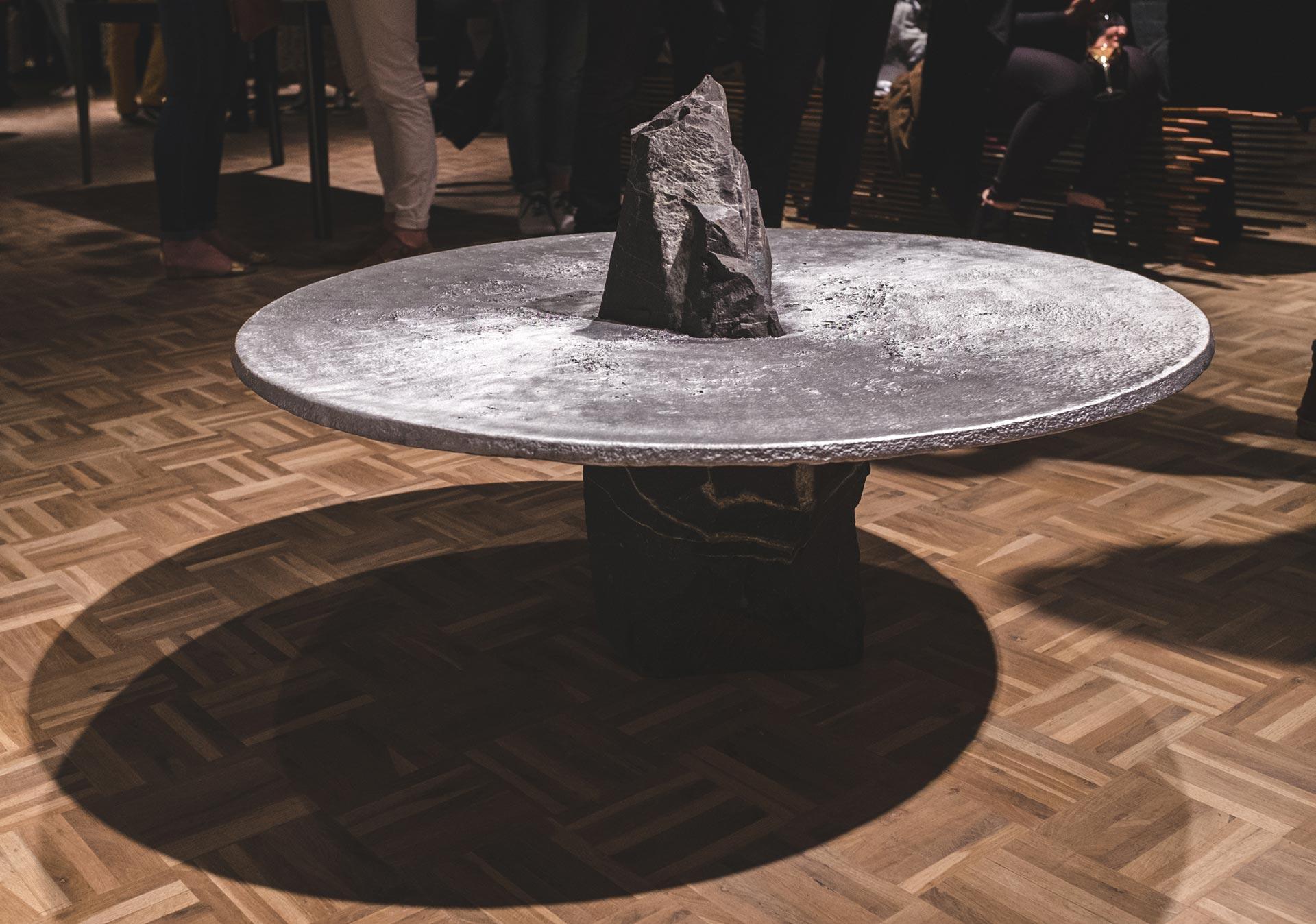 lunar-table (8)
